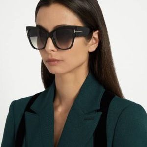 TOM FORD Anoushka Cat Eye Sunglasses Black